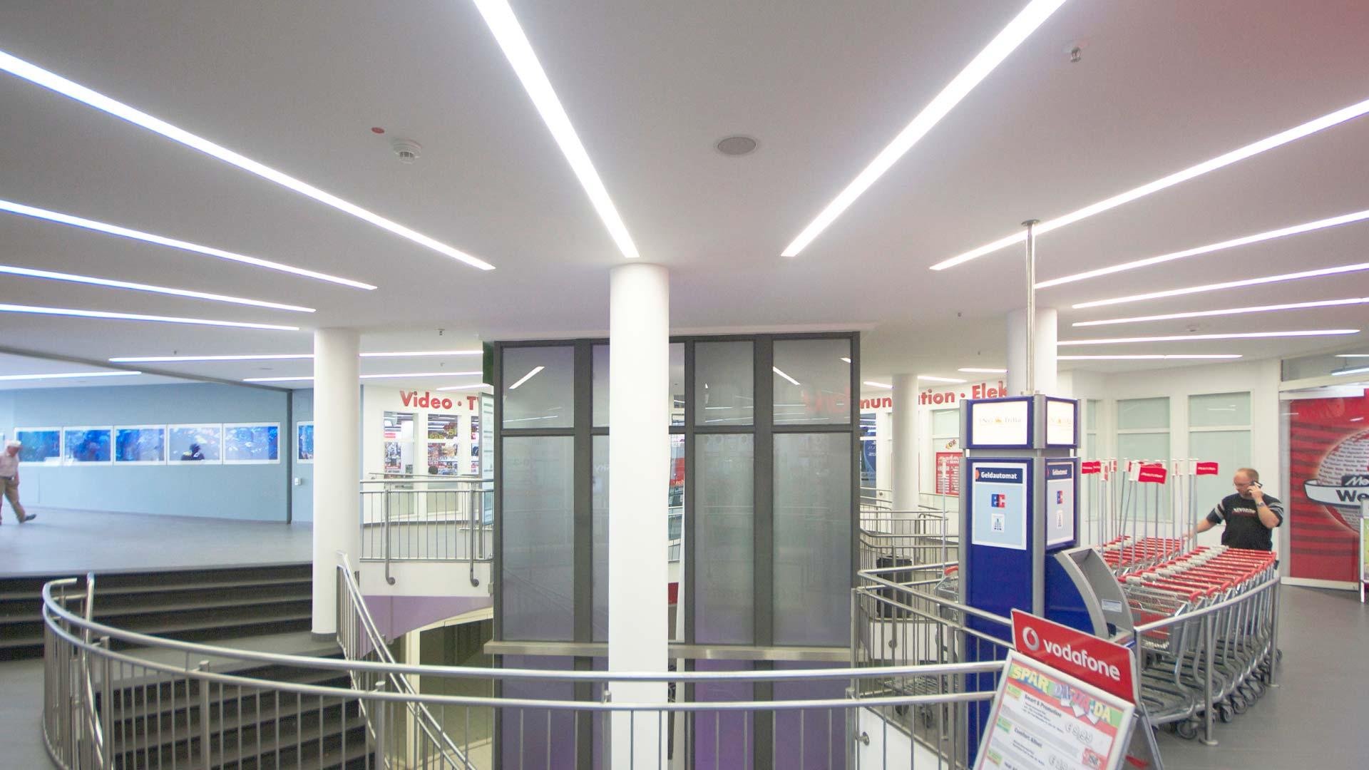 MAASS-Lichtplanung_Lichtplanung für das Erlenring Center in Marburg__MAASS-EC-Marburg-006