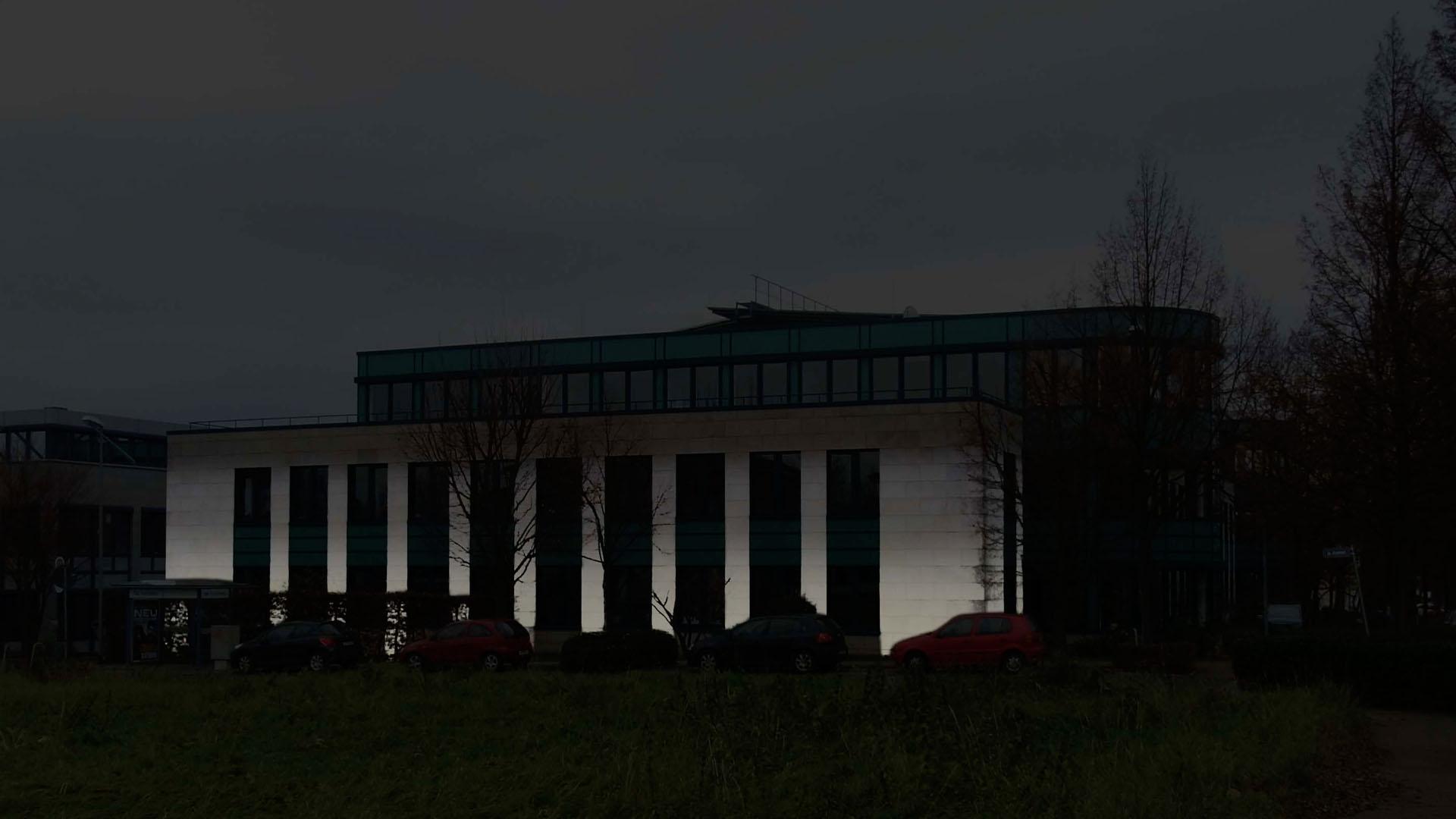 MAASS-Lichtplanung_Fassadenbeleuchtung Bürogebäude__MAASS-HP-003