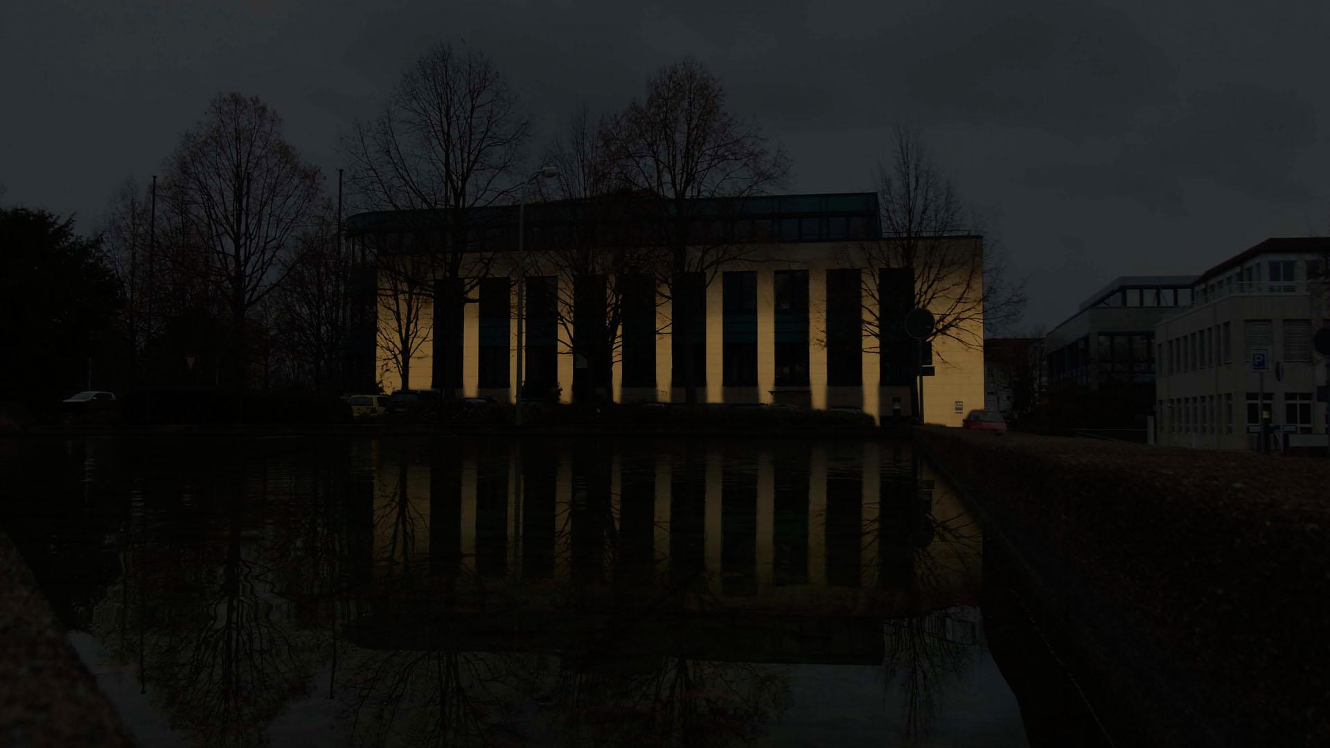 MAASS-Lichtplanung_Fassadenbeleuchtung Bürogebäude__MAASS-HP-004
