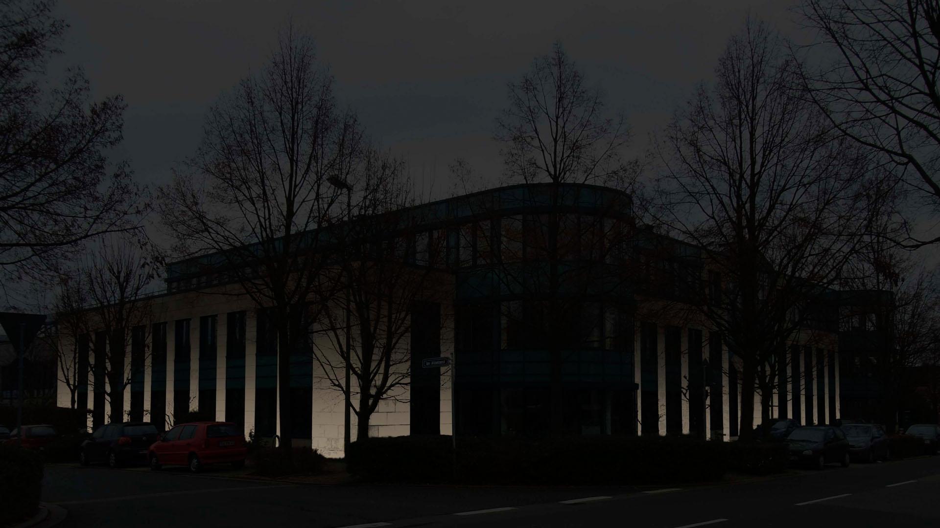 MAASS-Lichtplanung_Fassadenbeleuchtung Bürogebäude__MAASS-HP-007