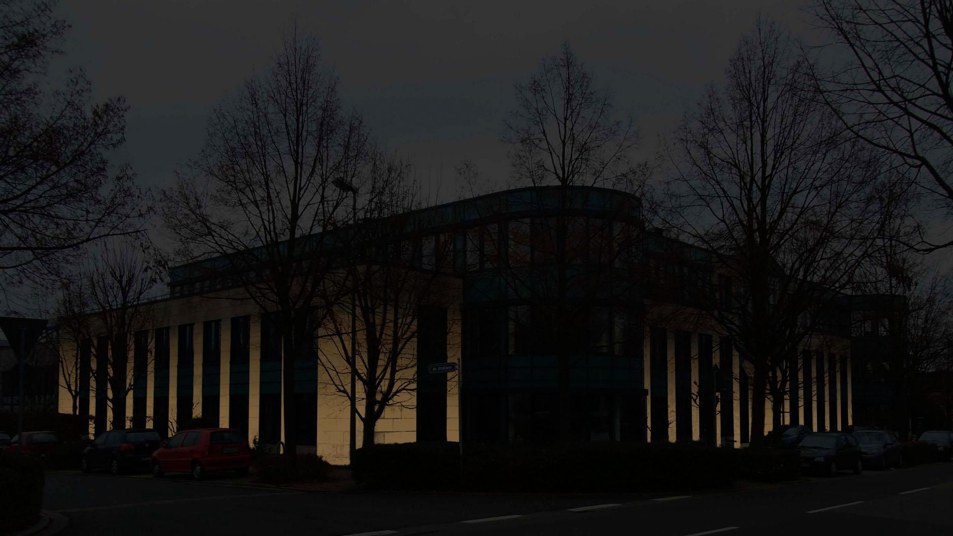 MAASS-Lichtplanung_Fassadenbeleuchtung Bürogebäude__MAASS-HP-008