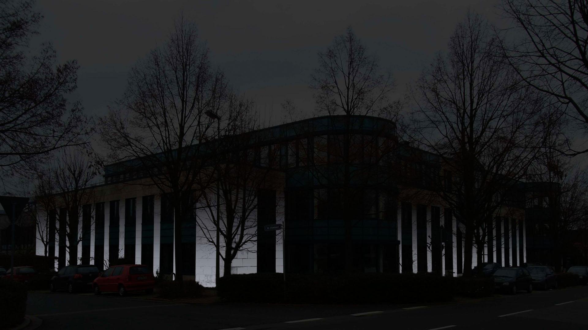 MAASS-Lichtplanung_Fassadenbeleuchtung Bürogebäude__MAASS-HP-009