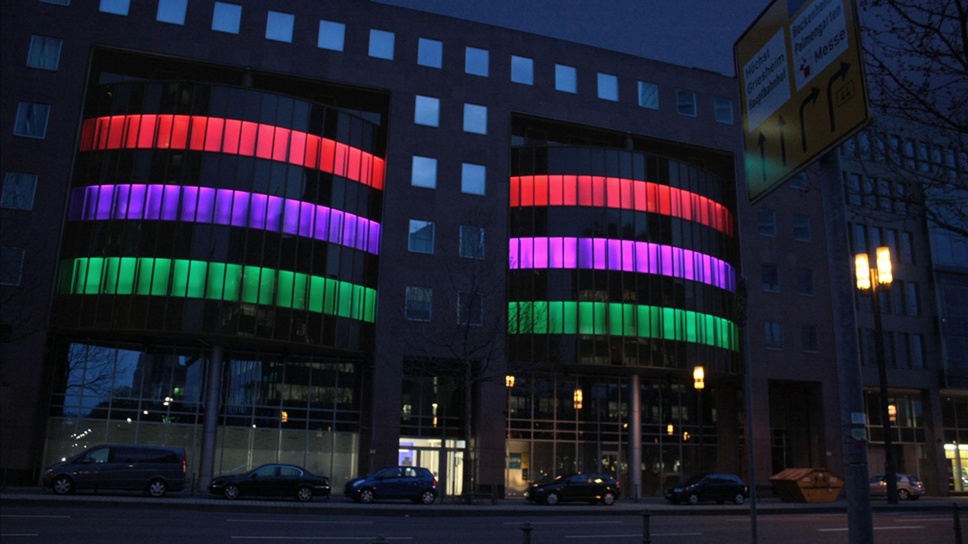 MAASS-Lichtplanung_Lichtkunst zur Luminale 2010__MAASS-HustleBustle-001