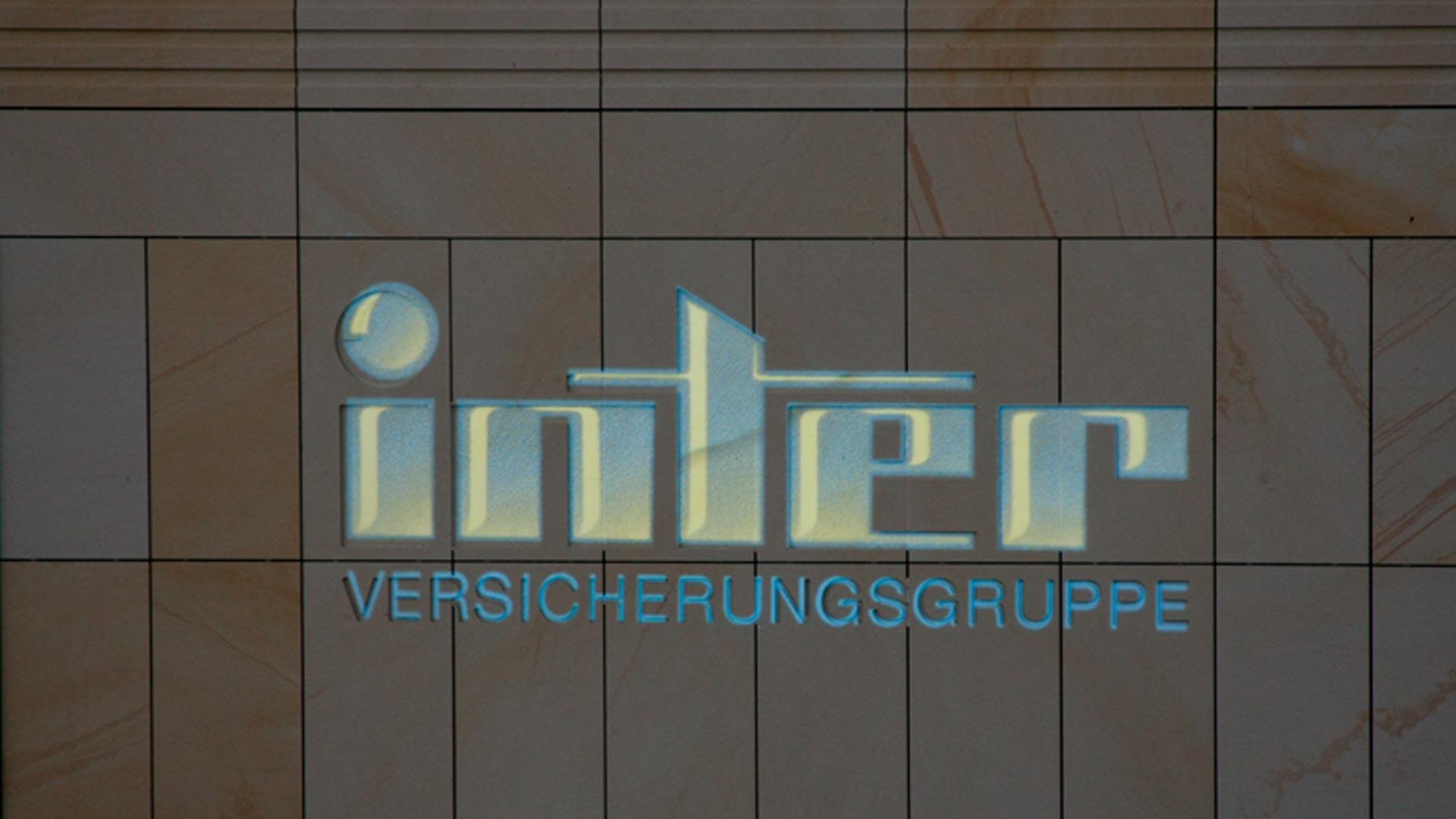 MAASS-Lichtplanung_Fassadenprojektion__MAASS-Inter-Versicherung-001