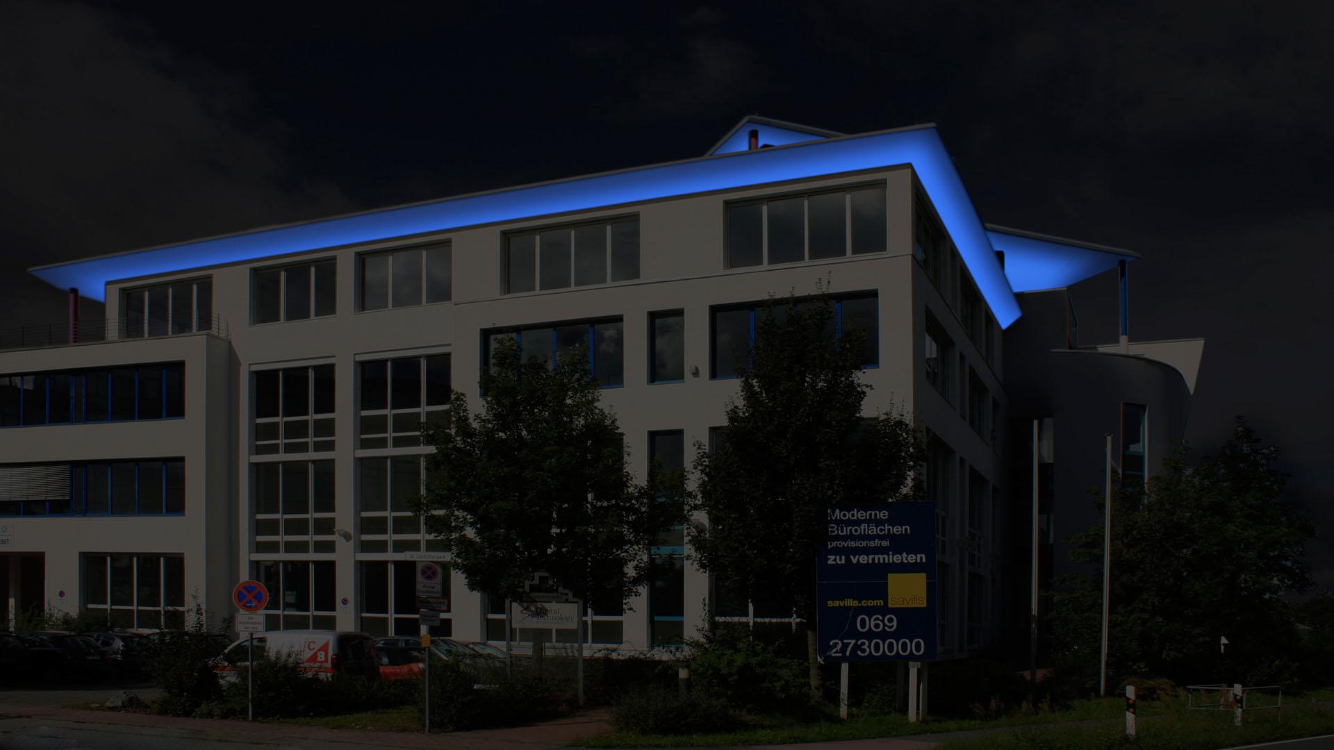 MAASS-Lichtplanung_Fassadenillumination in Darmstadt__MAASS-Leuschner-Park-001