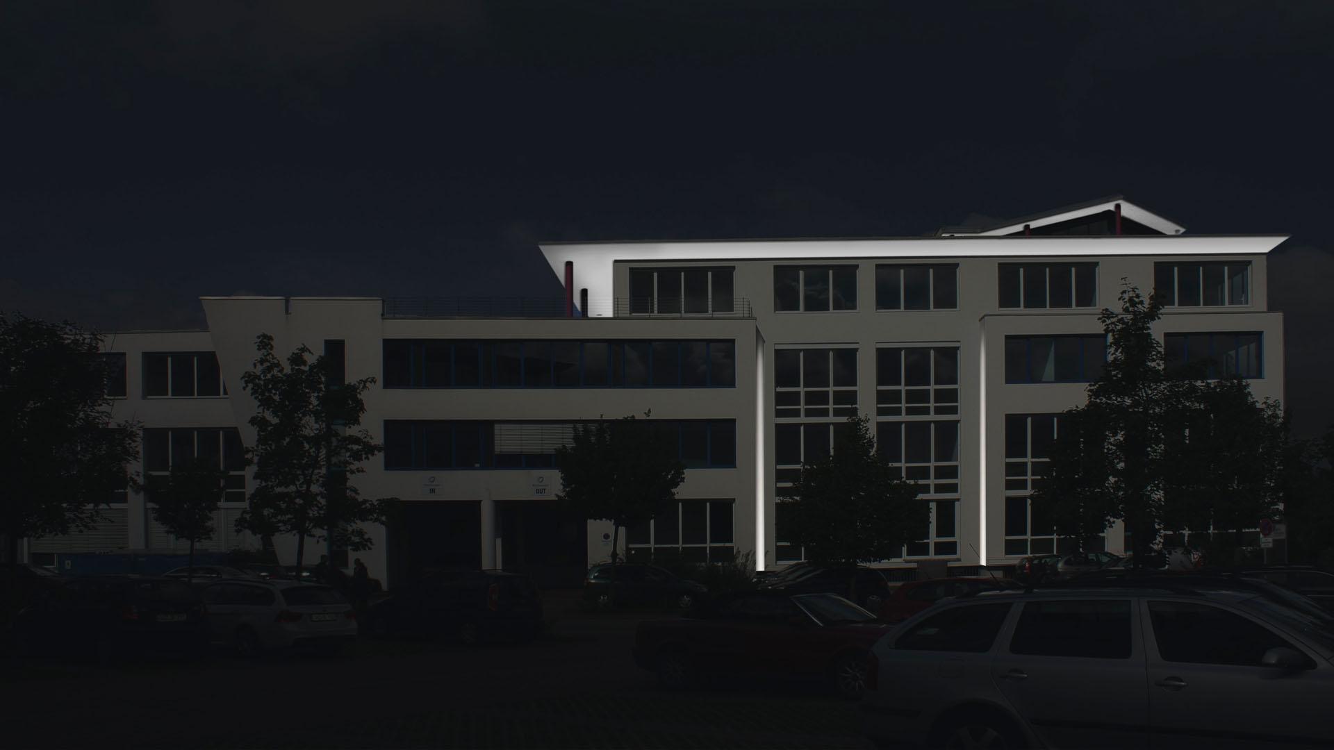 MAASS-Lichtplanung_Fassadenillumination in Darmstadt__MAASS-Leuschner-Park-006
