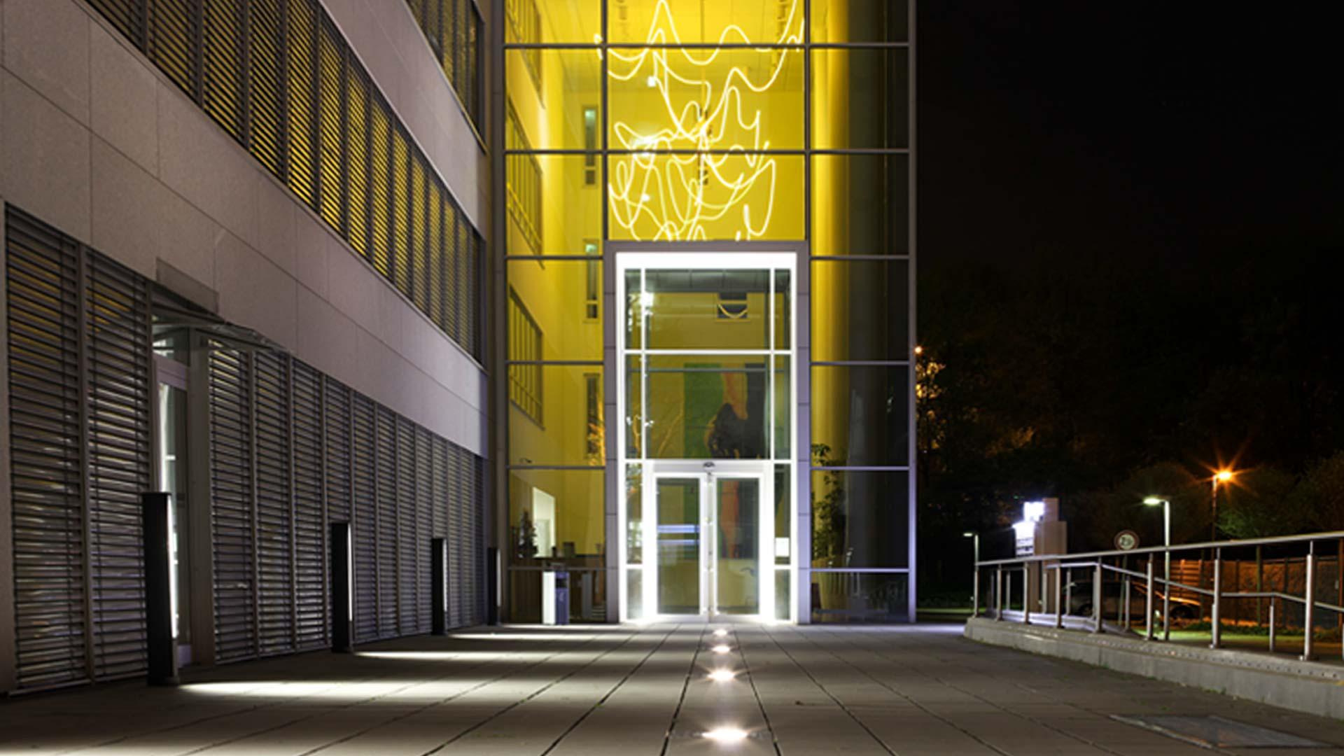 MAASS-Lichtplanung_Lichtplanung Bürogebäude__MAASS-Objektbeleuchtung-Eschborn-000