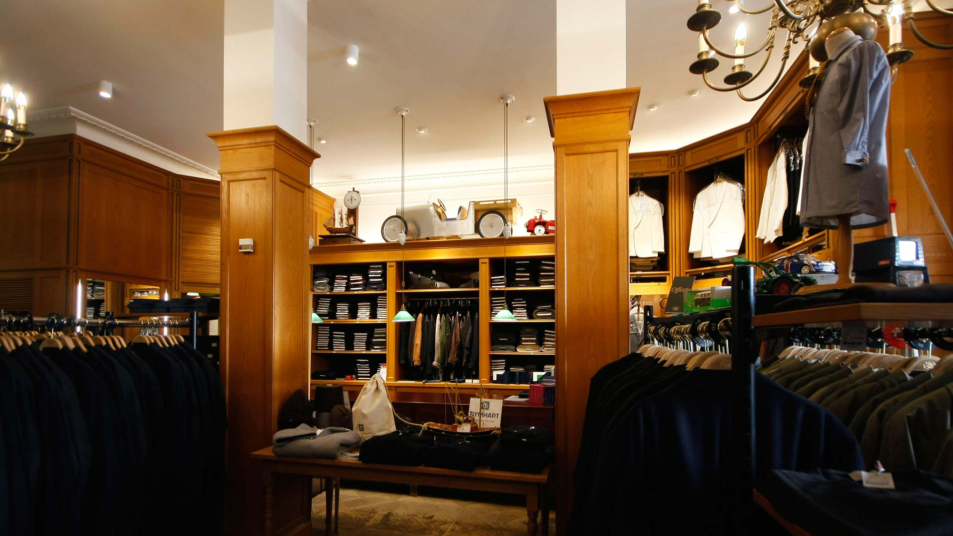 MAASS-Lichtplanung_Shopbeleuchtung eines Traditionsunternehmens in Hamburg__MAASS-Shop-Ladage-Oelke-009