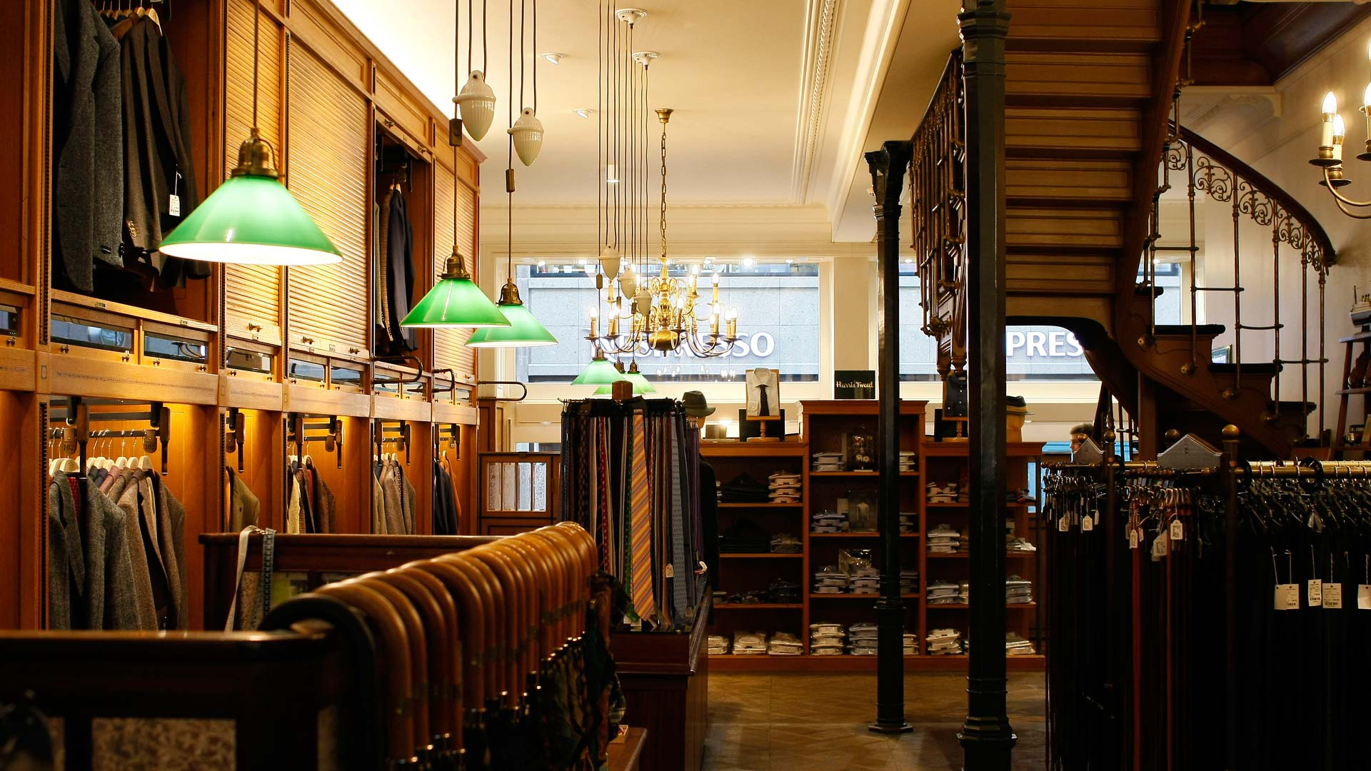MAASS-Lichtplanung_Shopbeleuchtung eines Traditionsunternehmens in Hamburg__MAASS-Shop-Ladage-Oelke-012