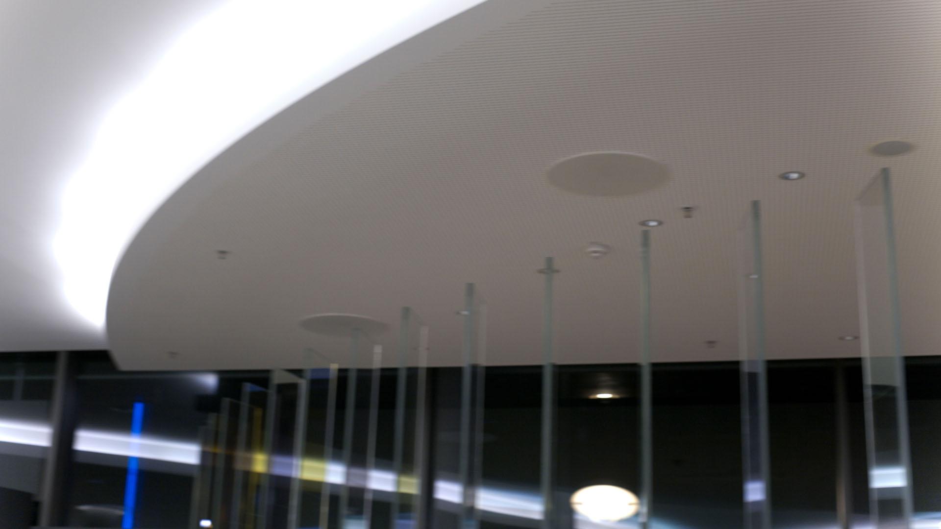 MAASS-Lichtplanung_Lichtplanung im Foyer der SEB Zentrale__MAASS-Skylight-Foyer-009