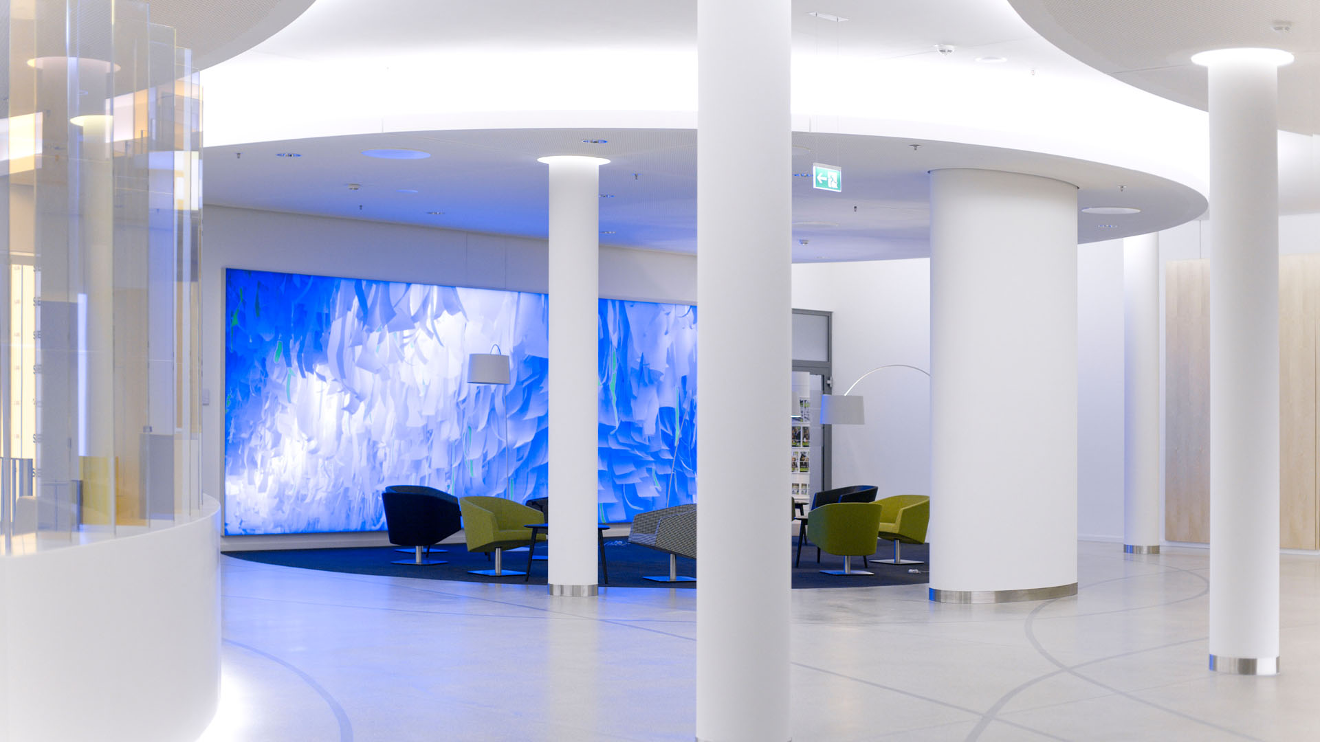 MAASS-Lichtplanung_Lichtplanung im Foyer der SEB Zentrale__MAASS-Skylight-Foyer-010