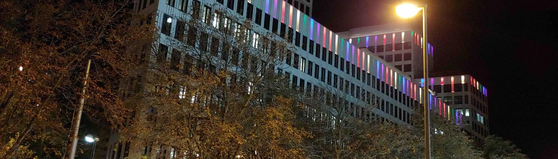 MAASS-Lichtplanung_Coming-Out-Day 2018 mit der ING-DiBa_Aktuelles _20181008_212423-1500x430