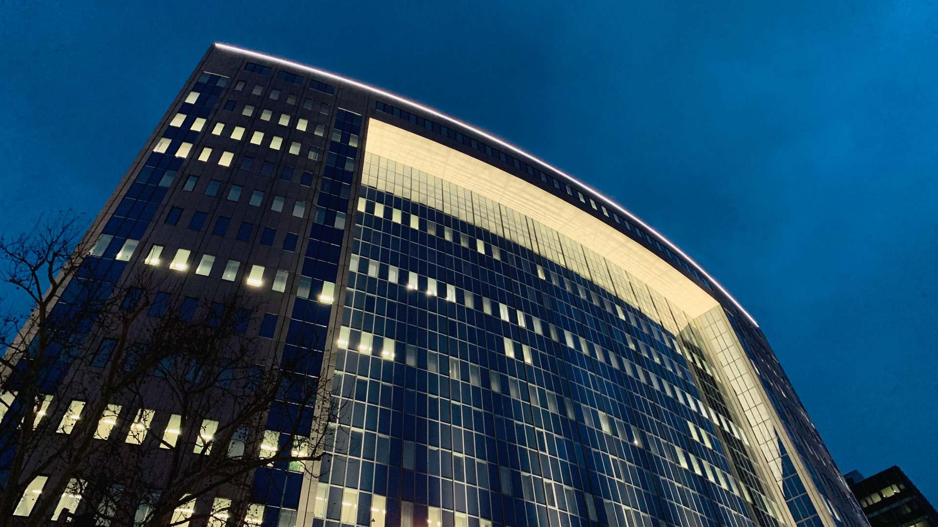 MAASS-Lichtplanung_Fassadenbeleuchtung Centurion / American Express__MAASS-Licht-AMEX-002